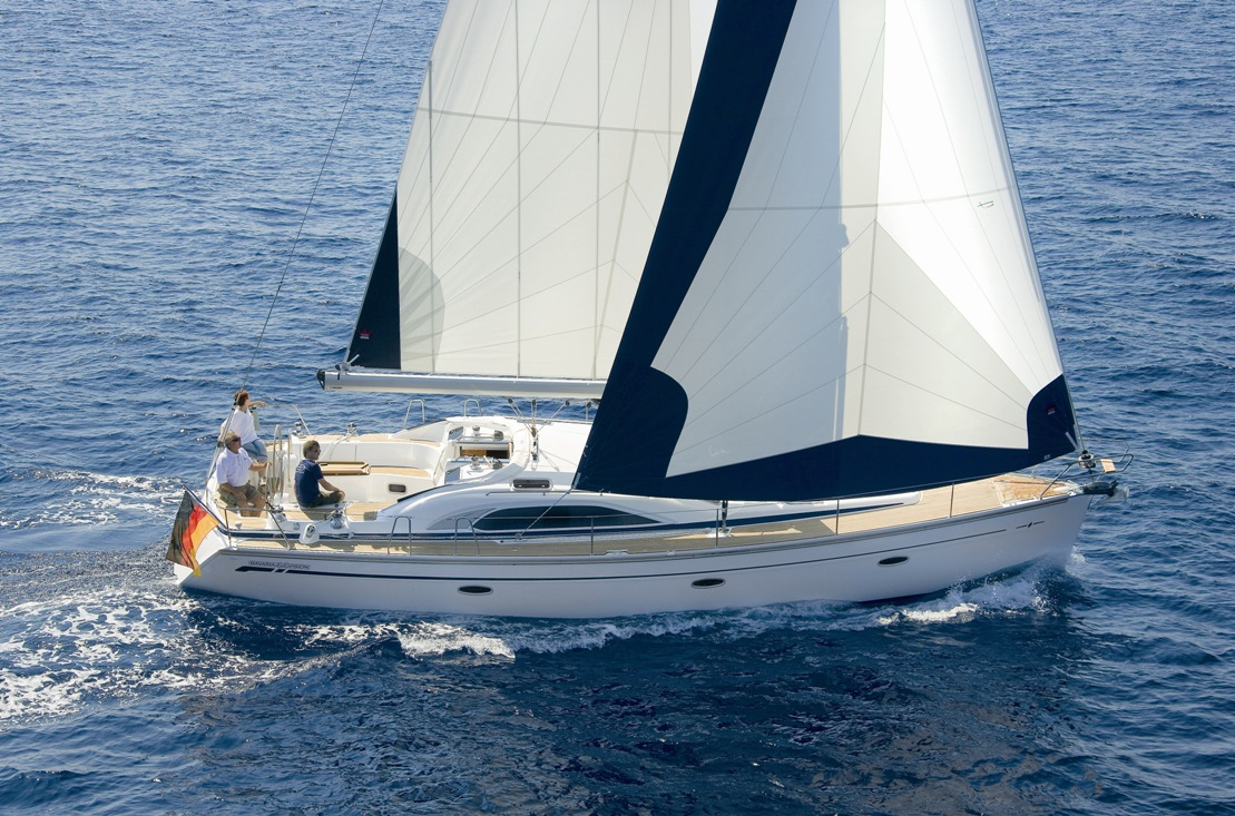 Full Team Bavaria Charter Boat 44